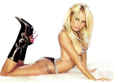 Pamela Anderson - 29